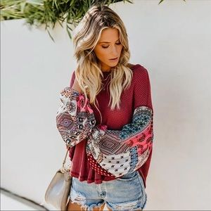 Tops - HP🎉 SALE🔥 Red BOHO Colorful Sleeve Long Blouse